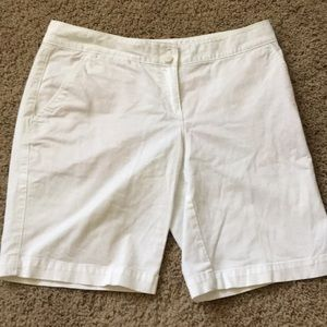 Tommy Bahama ladies size 2 white shorts